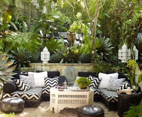 Moroccan Garden Ideas 11 Ways To Turn Your Home Into A Moroccan Oasis Pinterest Gardens Waiting Area And Outdoor