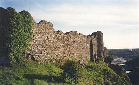 curtain wall castle pennard castle