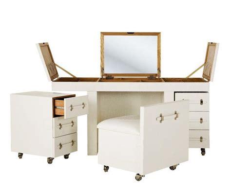 mobili per trucco organizzare un mobile trucco in casa