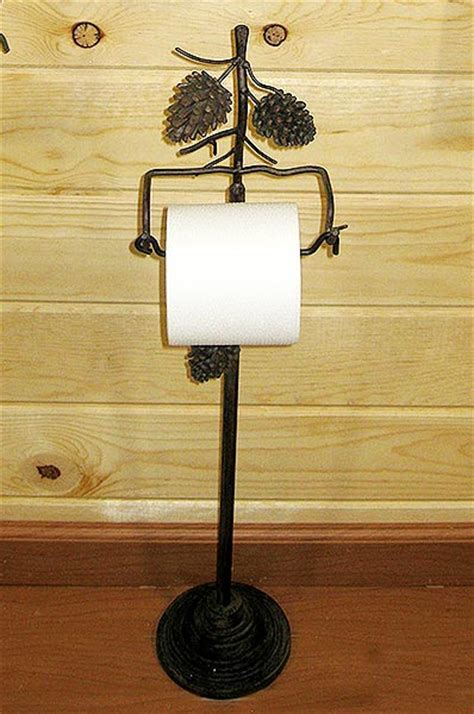 Country Pine Cone Free Standing Toilet Paper Holder: Cabin