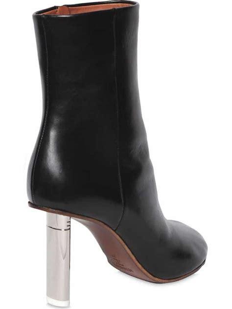 rosie huntington whiteley autumn ready in vetements boots