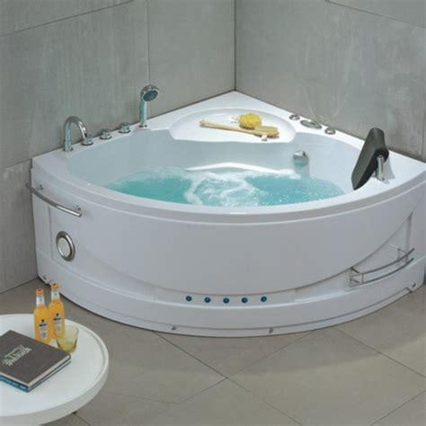 baignoire pour deux baignoire balneo maison design wiblia
