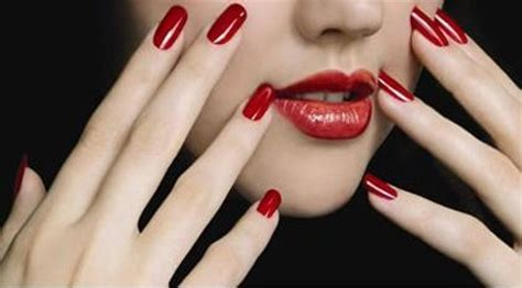 imagenes de uñas rojas y negras u 241 as pintadas estilo y belleza
