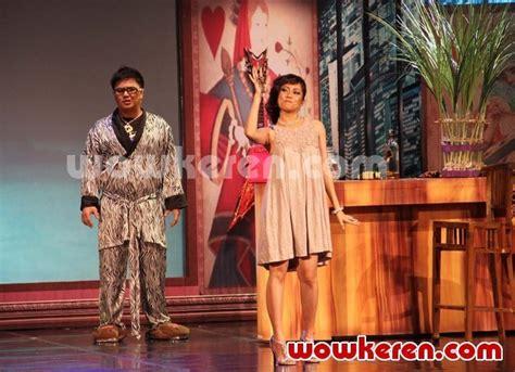 film anak emas foto pementasan kabaret oriental anak emas juragan batik