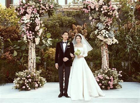 Song Of The Year Also Search For Showbiz The Song Song Song Joong Ki And Song Hye Kyo Wedding Photos