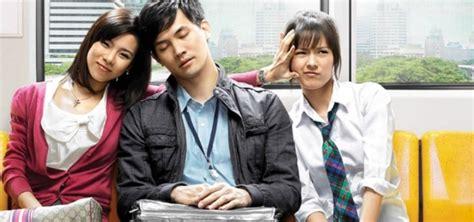 film komedi romantis wajib nonton 12 film komedi berkualitas yang akan bikin kamu tertawa
