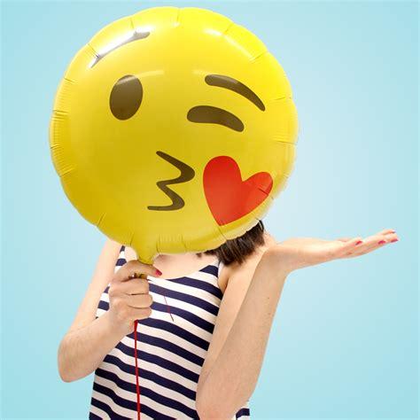 Balon Emoticon Emoji New emoji balloons photo booth delights