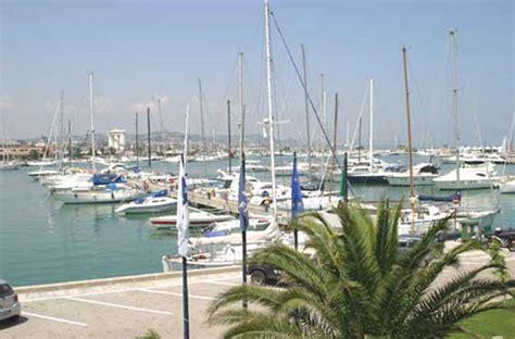 porto turistico pescara il porto di pescara floppy il cannocchiale