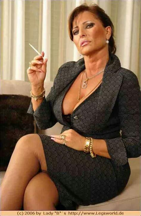 old woman fun lady barbara lady barbra pinterest smoking boss