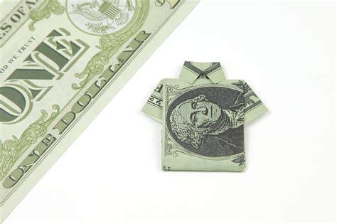 Origami Shirt Dollar - how to make an easy origami dollar shirt