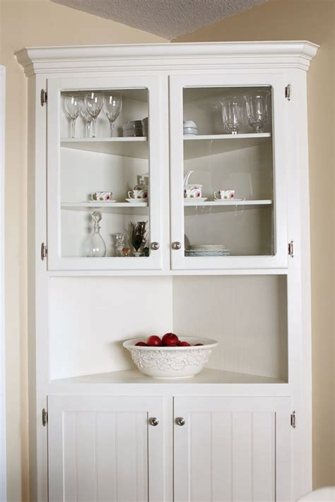 build   corner hutch woodworking projects