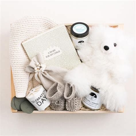 Gift Boxes For Baby Shower by Best 25 Baby Gift Baskets Ideas On Baby