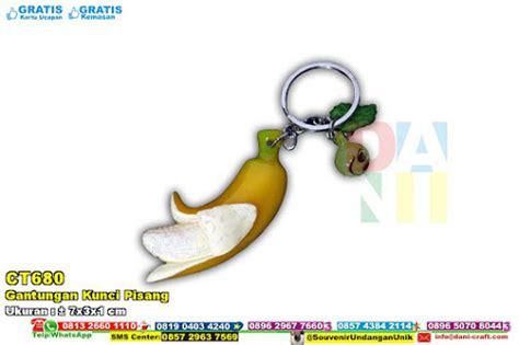 Gantungan Kunci Pisang Rajut kotak tempat tisu pelepah pisang warna souvenir pernikahan