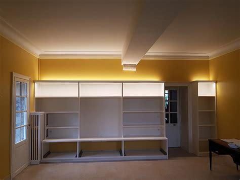 Bandeau Led Salon by 201 Clairage D Une Biblioth 232 Que Et D Un Salon Avec Bandeau De