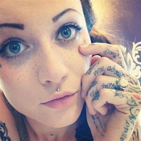 tattoo that looks like freckles it looks like her freckles are tattooed tattoo pattern