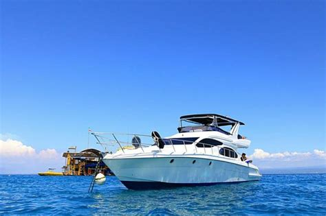 yacht di bali pin oleh private yachts and villas di private luxury boat