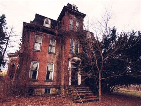 pictures of haunted houses 8 real haunted houses you can actually visit