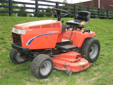 Simplicity Garden Tractors by Simplicity Landlord Dlx 20 Lawn Tractor