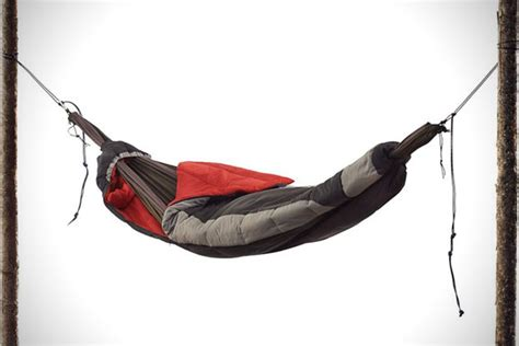Sleep Hammock suspended sleeping bag hammock hiconsumption
