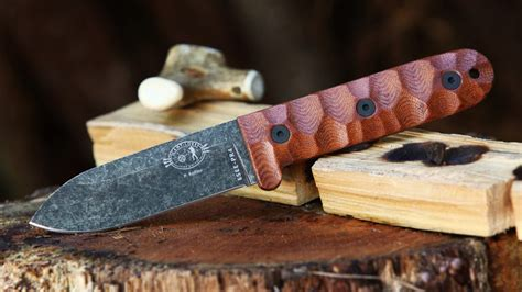 breaking smoky mountain knife works puts the new esee
