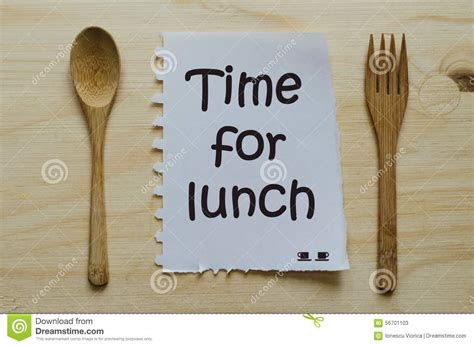 what time is lunch time for lunch written on note between spoon and fork