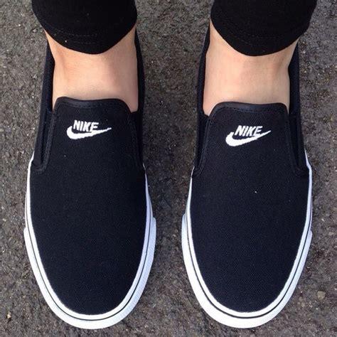 Sepatu Nike Sb Toki Slip On Black nike toki slip on womens
