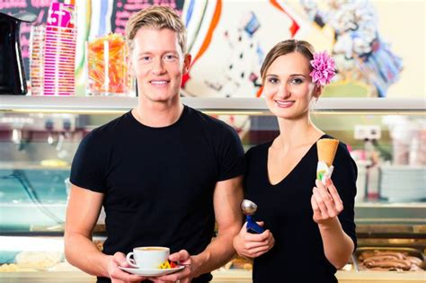 cameriere in germania cercasi cameriere a da gelateria per la a torino