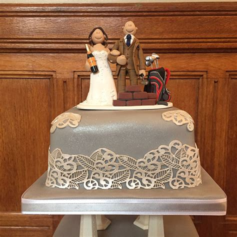 wedding cake toppers on their cakes totally toppers