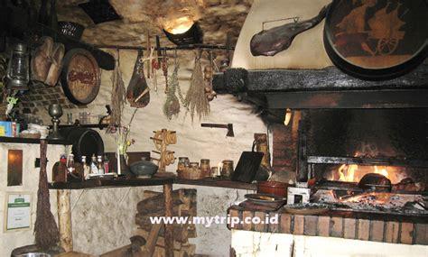 10 film fantasi abad pertengahan seperti the lord of the cesky krumlov salah satu desa terindah di dunia