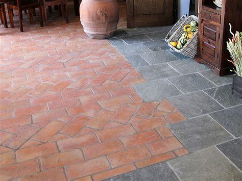 pavimento in cotto per esterni pavimento in cotto per interni ed esterni antico cotto a