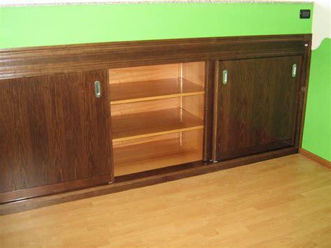 armadio basso per mansarda armadio basso per ambiente sottotetto