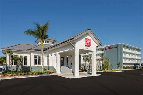 Gardens Motel Key West by Key West S Garden Inn Opens Extravaganzi
