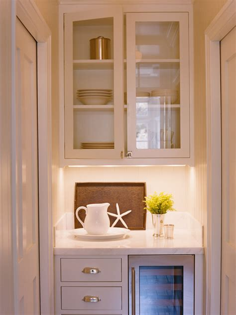 Kitchen Butlers Pantry by Butler S Pantry With Pocket Doors Traditional Kitchen