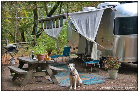 When Living in a Small Trailer Gets Small ? Joyrides of
