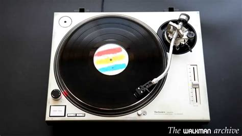 why vinyl sounds better vinyl vs cd which one sounds better