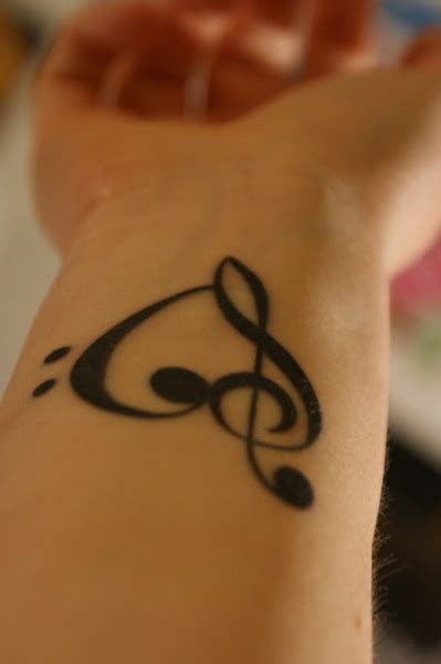 treble clef tattoo on wrist treble clef on wrist tattooshunt