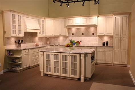 Modern & Eclectic Types of Kitchen and Bathroom Cabinets