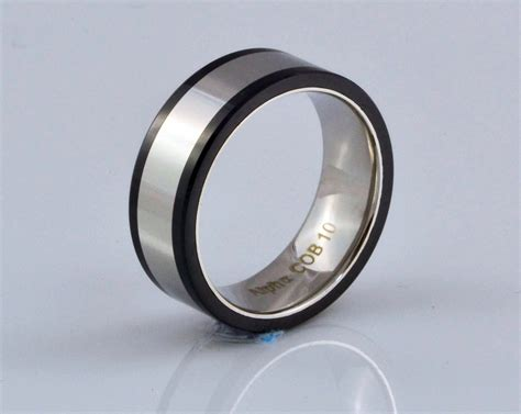 the benefits of choosing titanium mens wedding bands