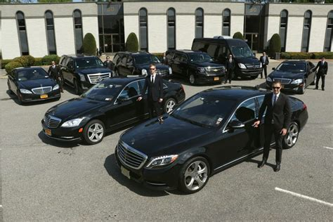 Luxury Car Service by How Can Help Find A Luxury Car Service In Nyc