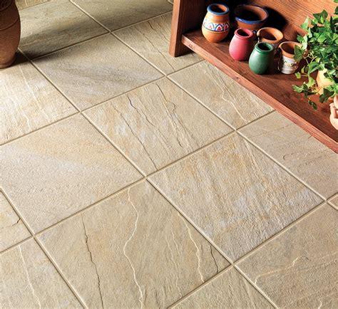 pavimenti in quarzite pavimento esterno quarzite beige 30x60 e 30x30 bertolani store