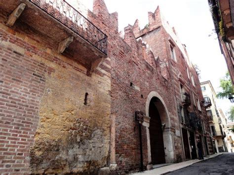 la casa di romeo e giulietta monumenti di verona casa di romeo