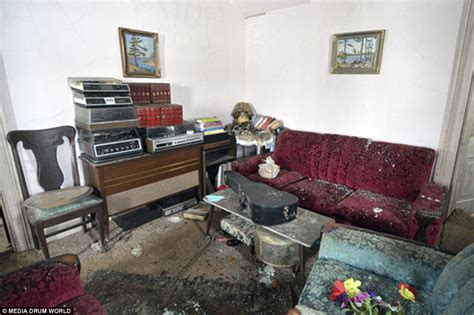 The Room Found by Explorer In Canada Discovers Home Abandoned 50 Years