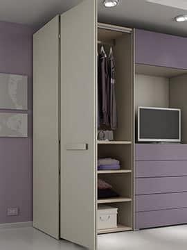 armadio con spazio tv armadio con 4 ante cassettiera e spazio per tv idfdesign