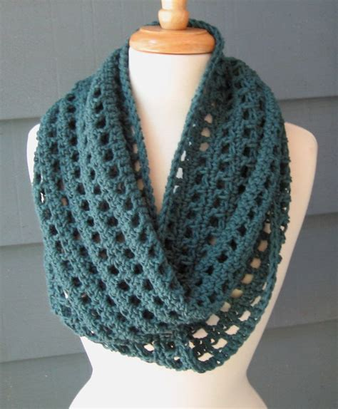 1000 ideas about crochet infinity scarves on