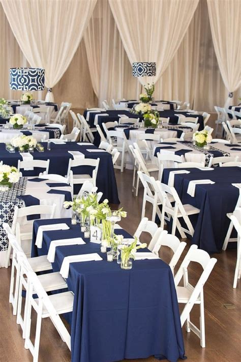 Modern vintage wedding decor and fashionable colors for
