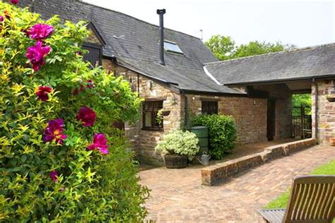 pet friendly holiday cottages in blakeney gloucestershire