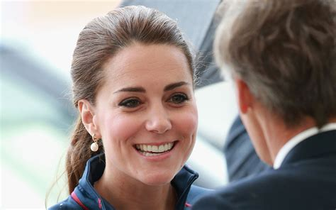 kate middleton c section look at kate middleton s new hairstyle