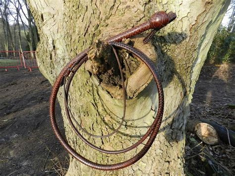 Handmade Bullwhips - handmade cowhide leather bullwhips kangaroo leather bullwhips