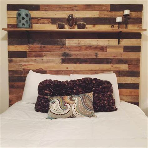 Wood Pallet Headboard Diy Pallet Headboard With Display Shelf 101 Pallets