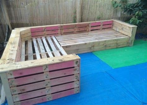 pallet corner sofa 25 best ideas about pallet sectional on pinterest wood